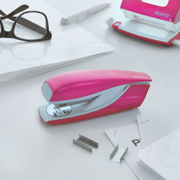 Leitz NeXXt WOW Metal Office Stapler Pink Metallic 55021023