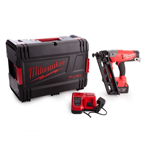 Milwaukee M18CN16GA-0X Fuel Finishing Nailer With Charger and Battery in Dynacase
