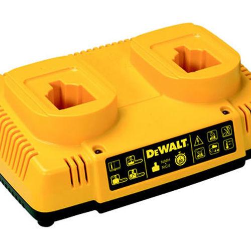 Dewalt DE9216 7.2-18V NiCd/NiMH Dual Port Charger 110 Volts