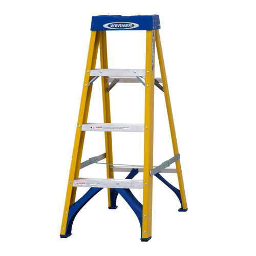 Werner 71604 Fibreglass Swingback Stepladder Trade 4 Tread (1.12m)
