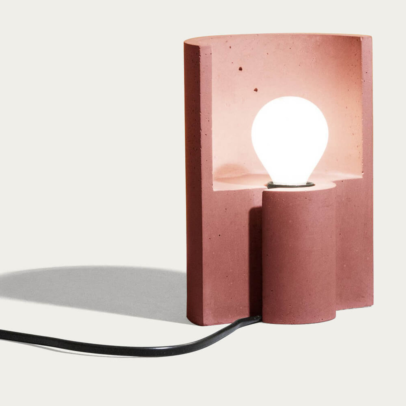 Red Esse Table Lamp | Bombinate