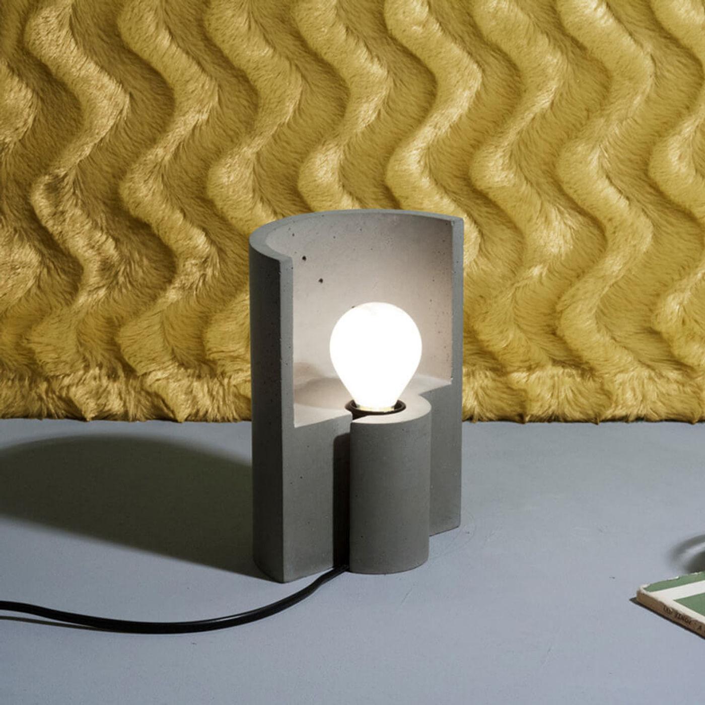 Grey Esse Table Lamp | Bombinate