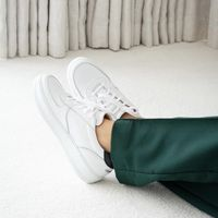 White/Black Clement Classic Tumbled Leather | Bombinate