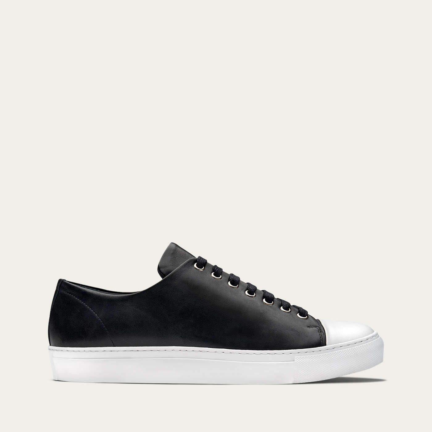 Erving Monochrome Sneakers | Bombinate