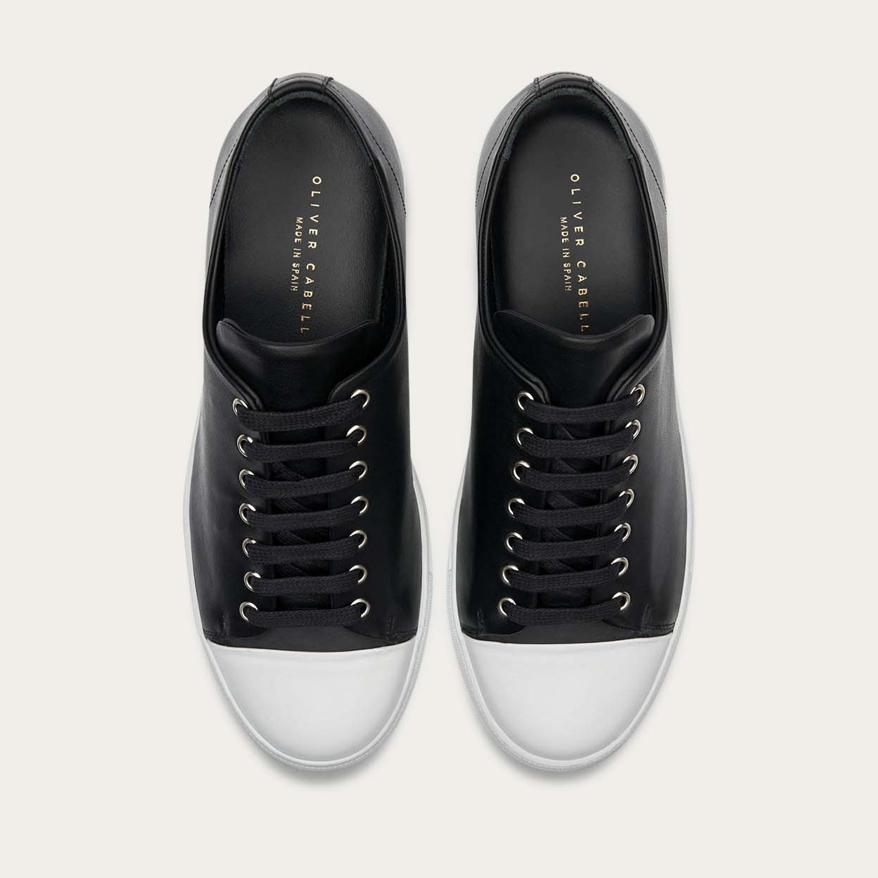 Erving Monochrome Sneakers 2