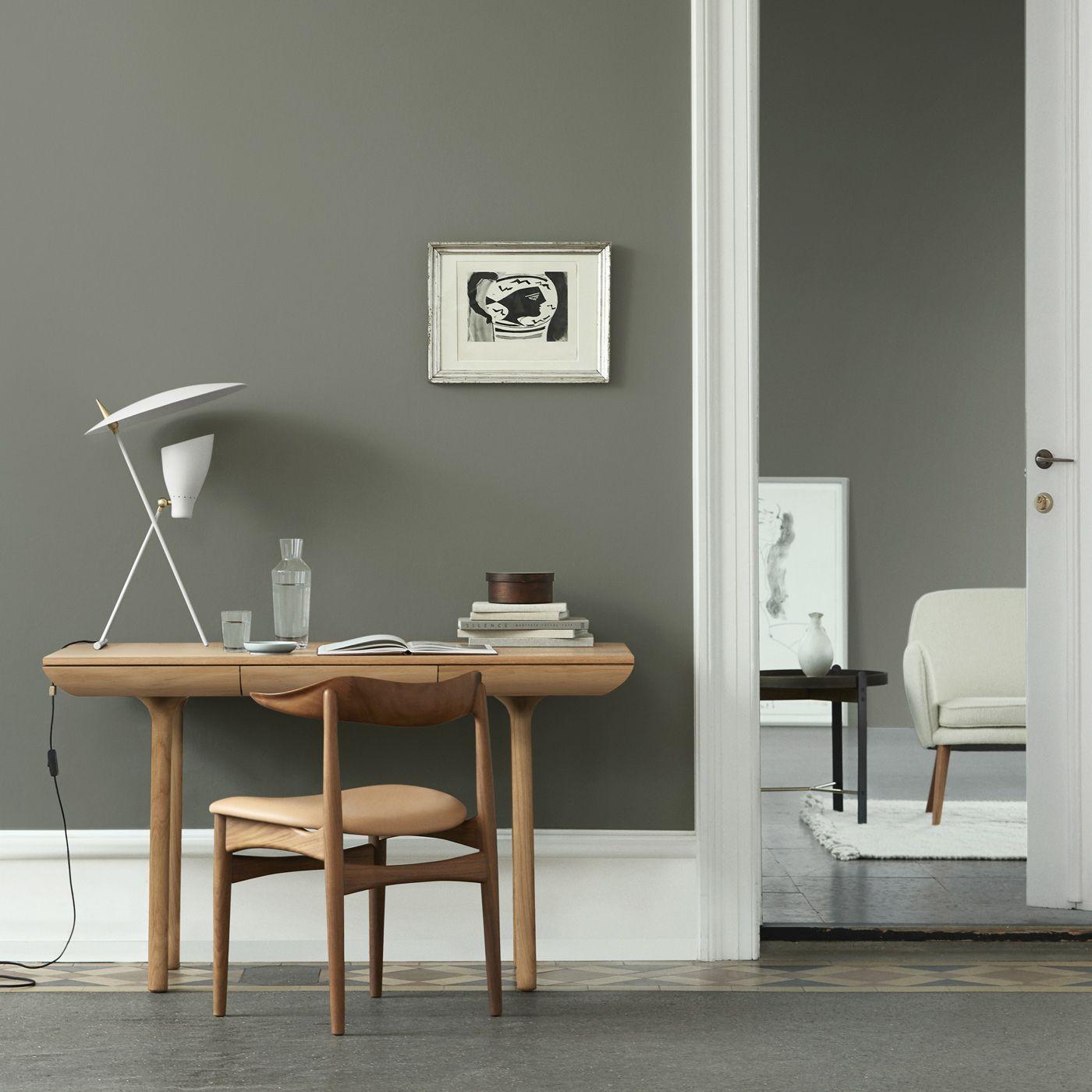 White oiled Oak Rúna Table | Bombinate