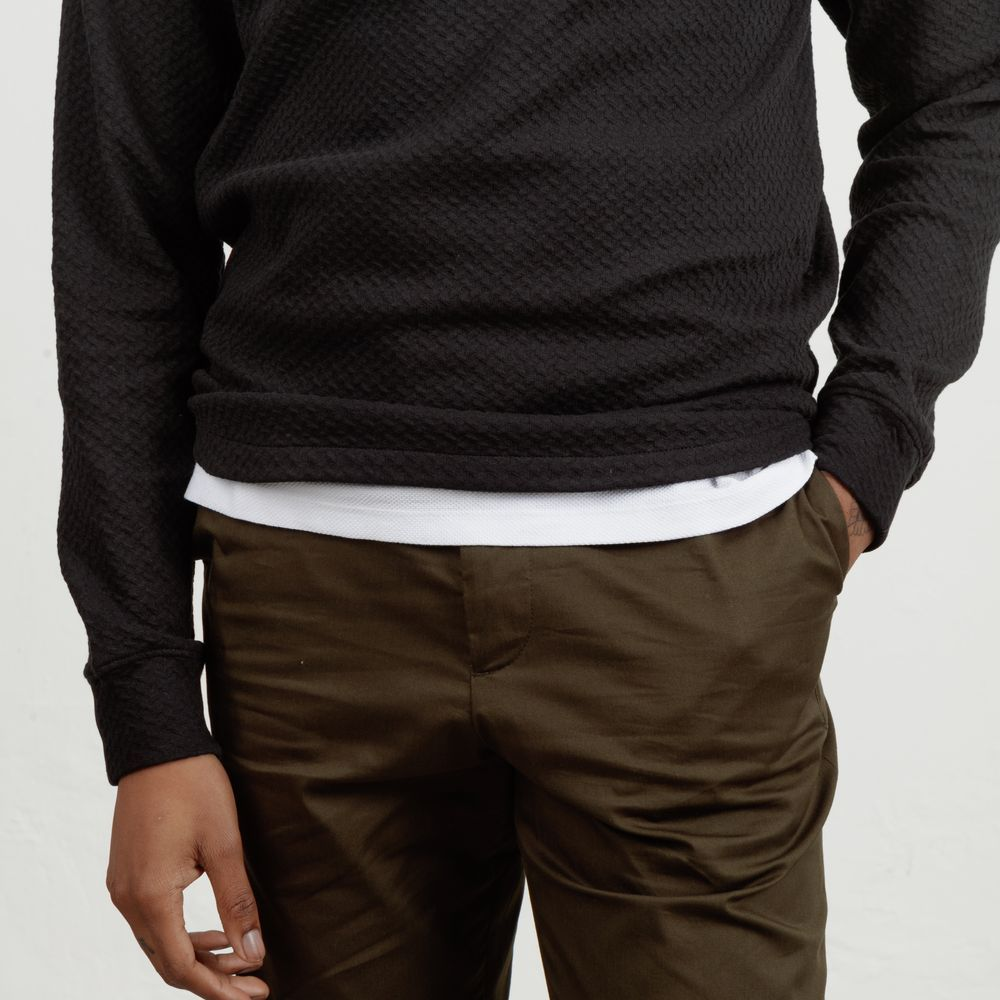 The Black Curve Sweatshirt  4