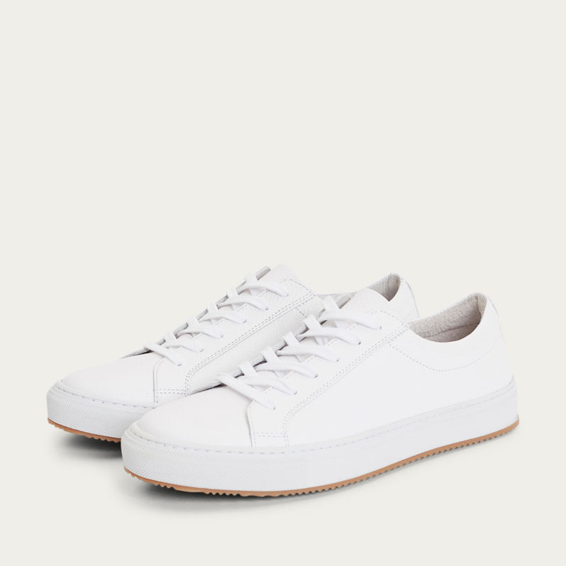 White with Gum Sole Resort Classic Sneakers  | Bombinate