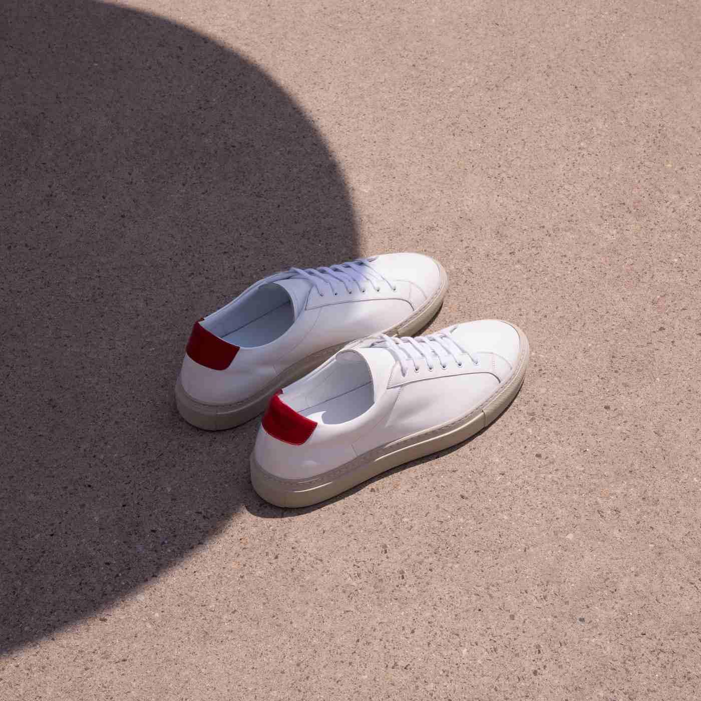 Cosmo Rosso Sneakers | Bombinate