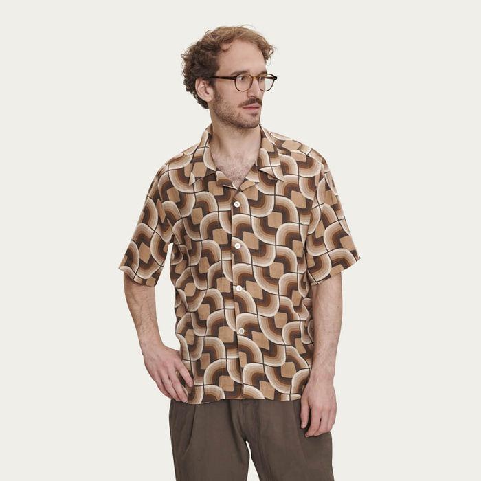 Short Sleeve Shirt in 60s Print   Bombinate