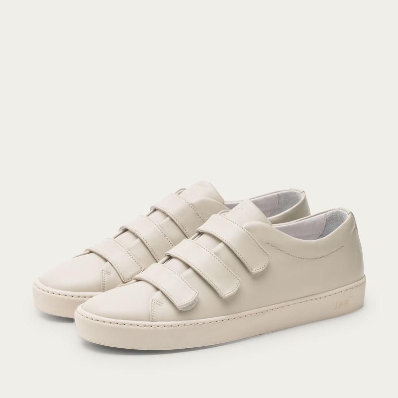 Dust Fika Sneakers | Bombinate