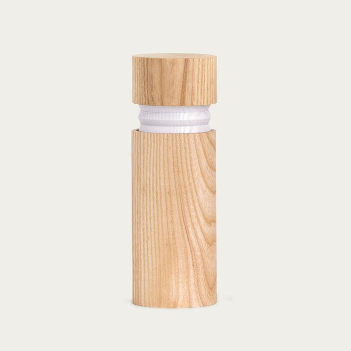Ash-White Bellow grinder   Bombinate