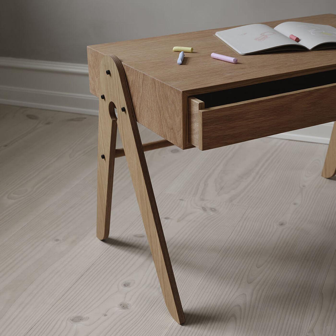 Oak Geo's Table | Bombinate