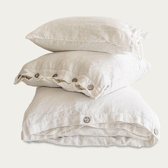 White Buttoned Linen Duvet Cover Set | Bombinate
