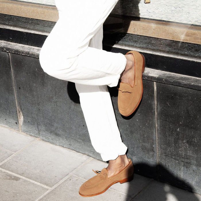 Chestnut Fårö Suede Loafers with Leather Sole | Bombinate