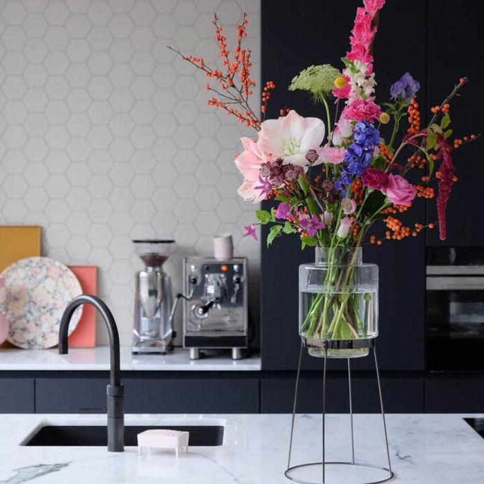 Black Standard and Monday Vase | Bombinate