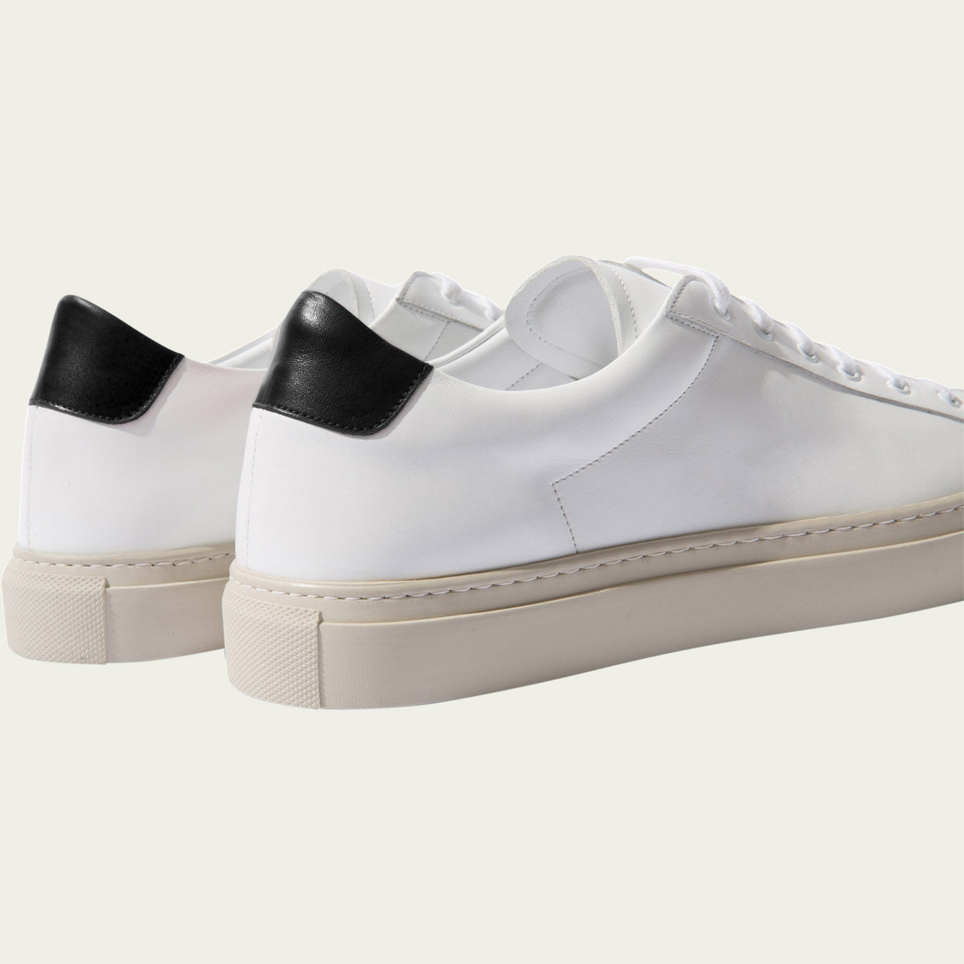 Cosmo Nero Sneakers | Bombinate
