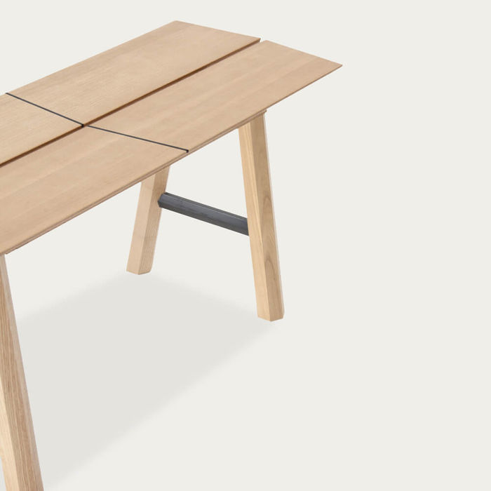 Light Wood/Black Savia Bench | Bombinate