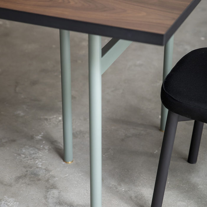 Pier Table | Bombinate