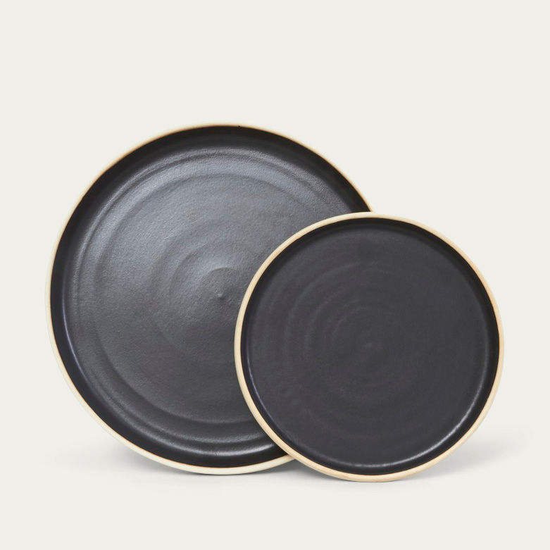 Large Otto Plate Black - Set of two | Bombinate
