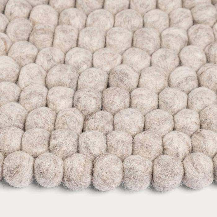 Felt Ball Rug Béla Round | Bombinate