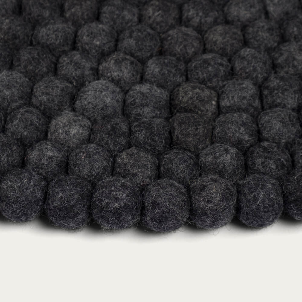 Felt Ball Rug Hugo Round | Bombinate