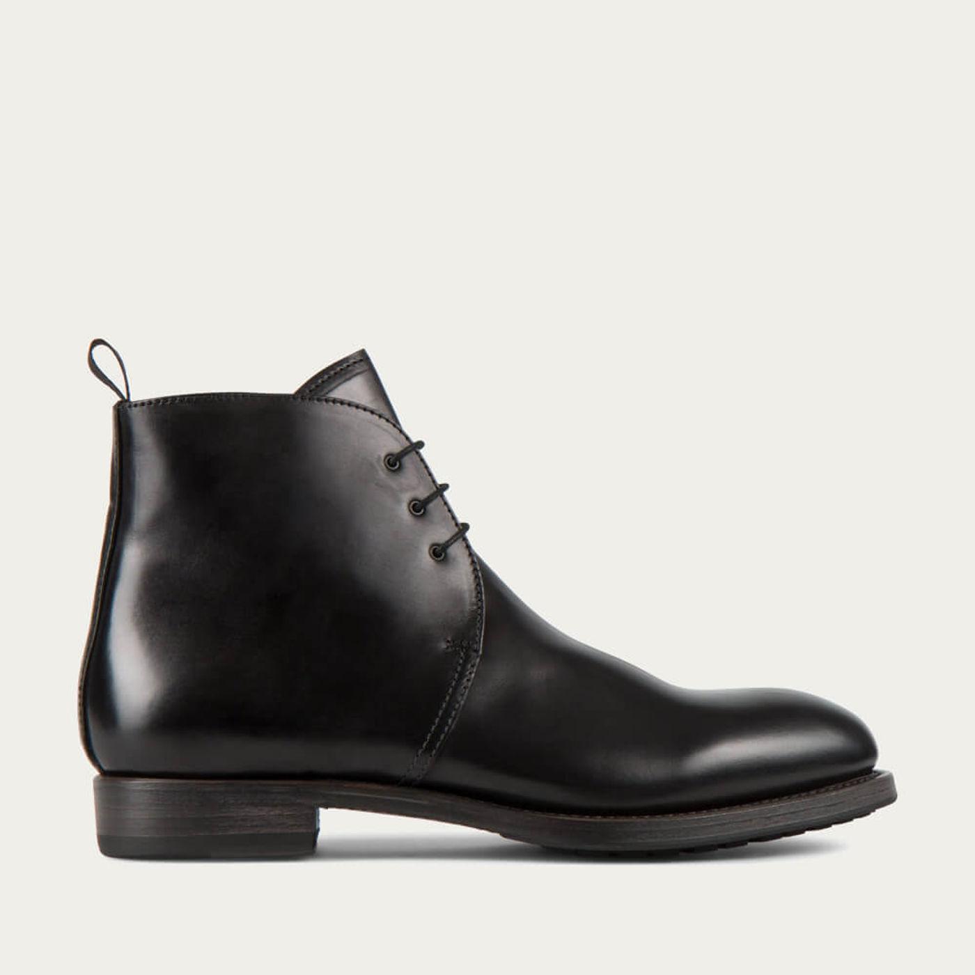 Black Kent Cordovan Leather Chukka Boots | Bombinate