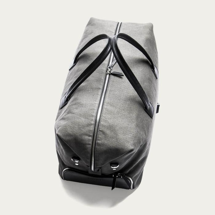 Gray & Black Traveler Bag Remington | Bombinate