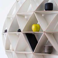 White Bookshelf Comb | Bombinate