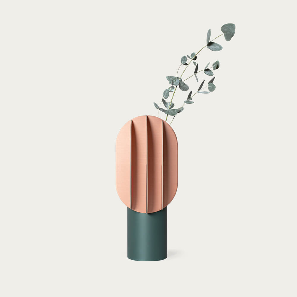 Gabo Vase CS10 | Bombinate