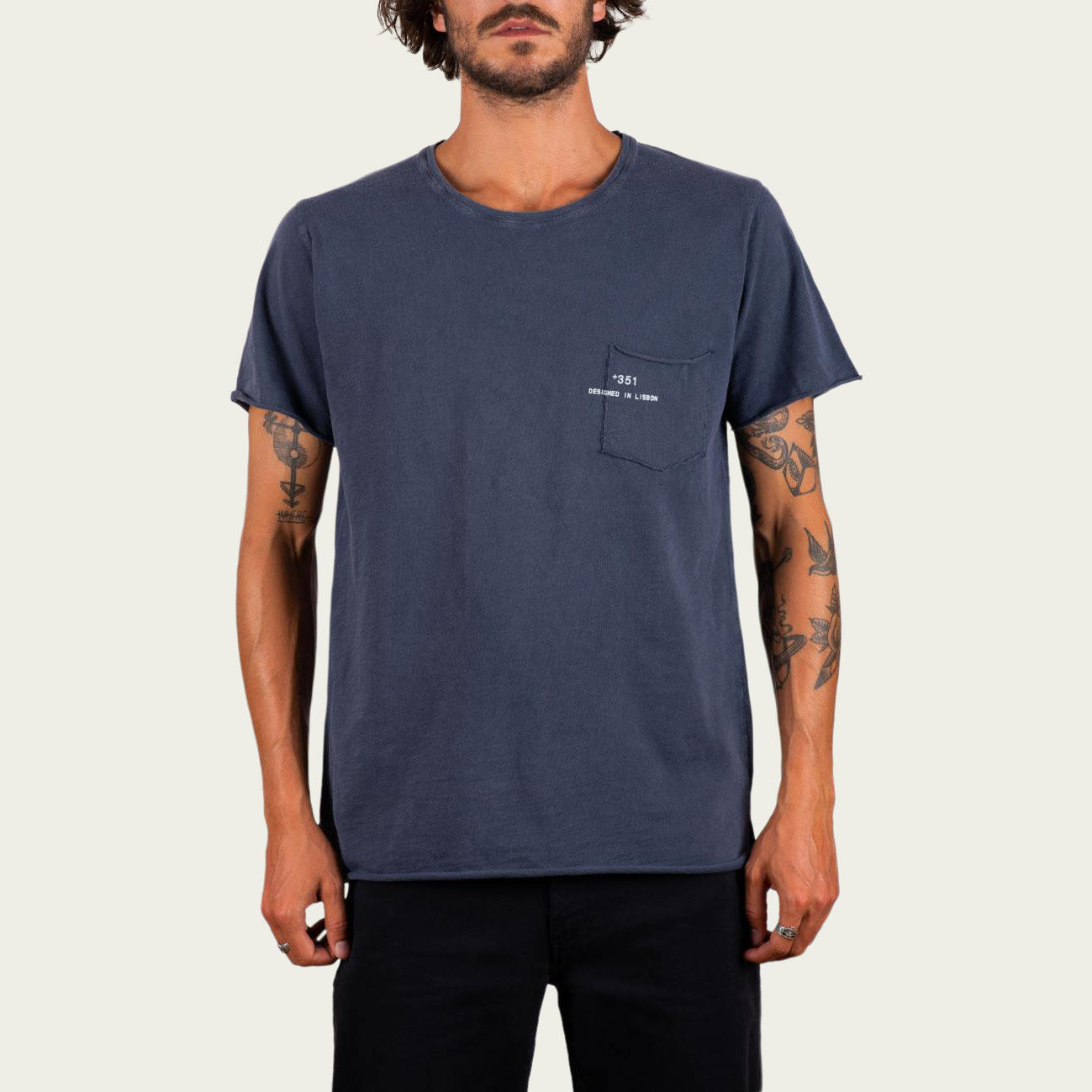 Blue Fade Out Essential Tee-Shirt | Bombinate