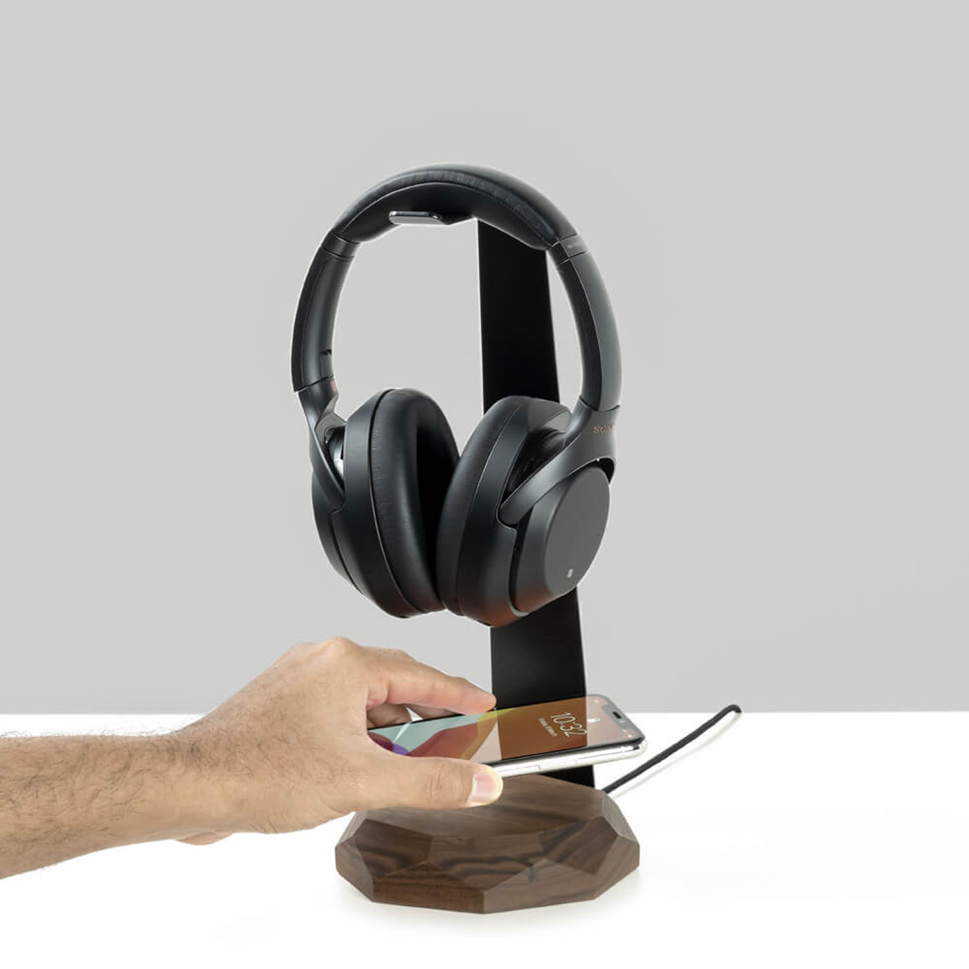 Walnut 2 in 1 Headphone Stand & Charger | Bombinate