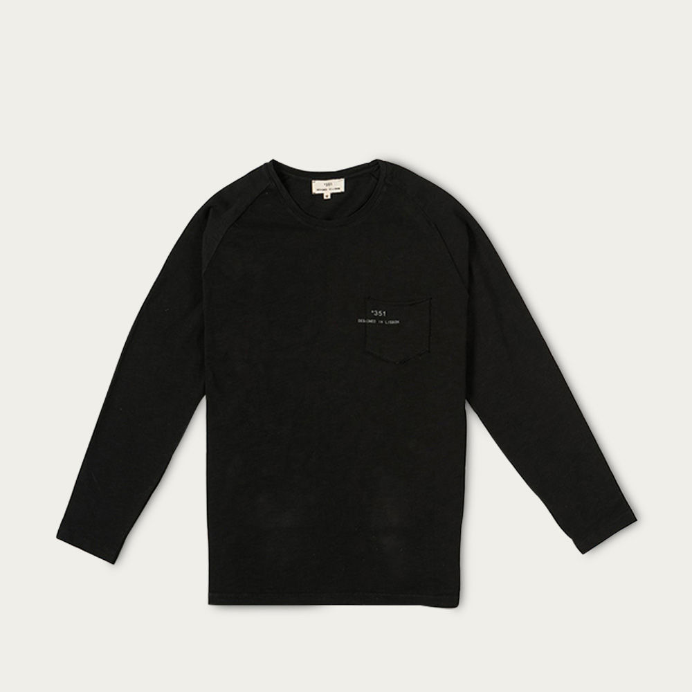 Black Essential Longsleeve  | Bombinate