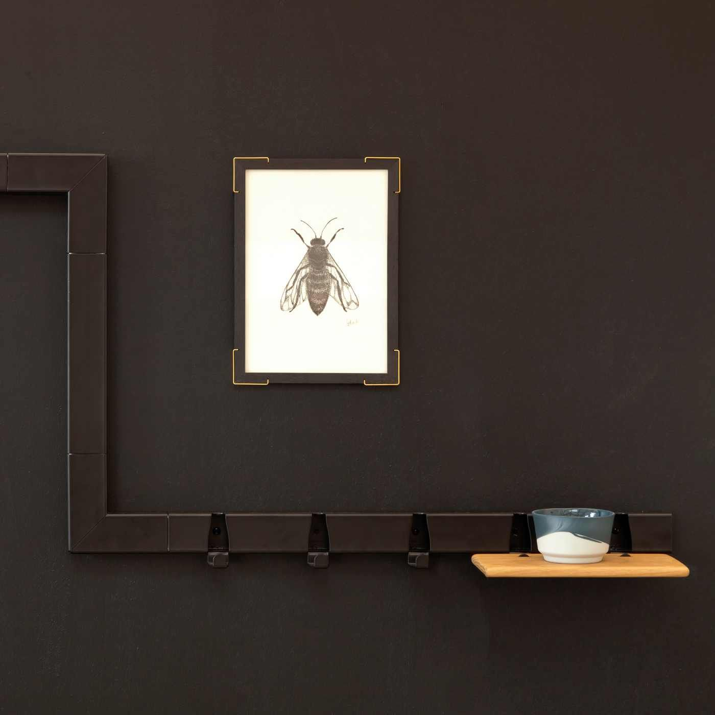 Black 5 Hooks Coatrack | Bombinate