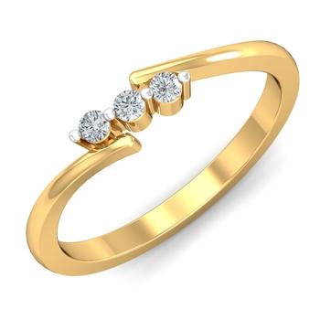Arkina Diamond's centered three diamon ring