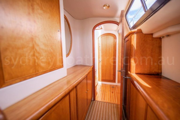 Sydney boat hire on cloud 9 17