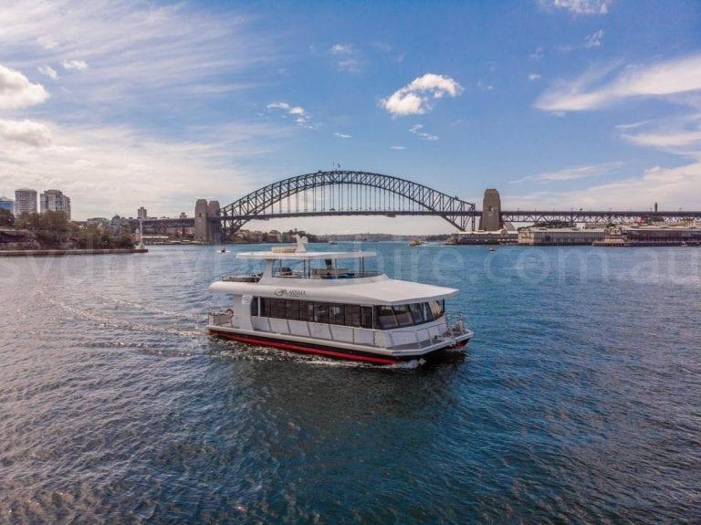 Sydney boat hire on karisma 10