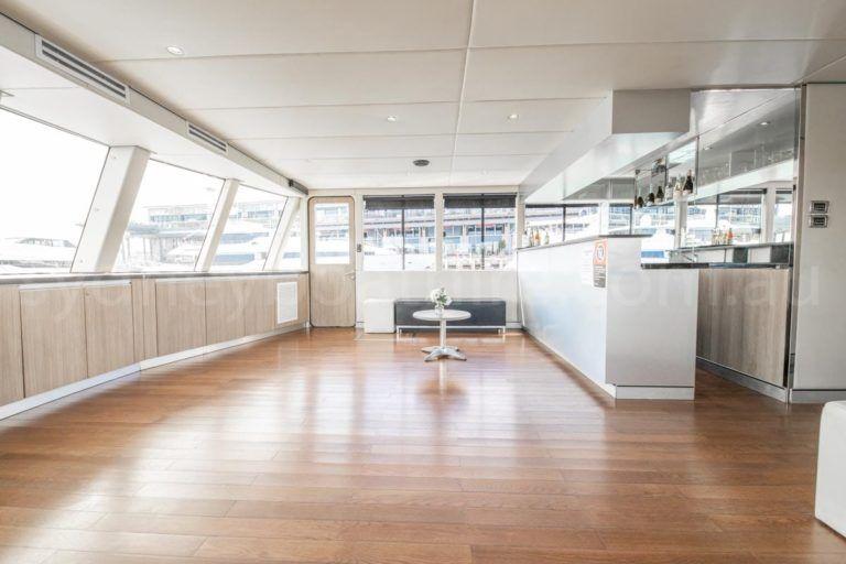 Sydney boat hire on karisma 12