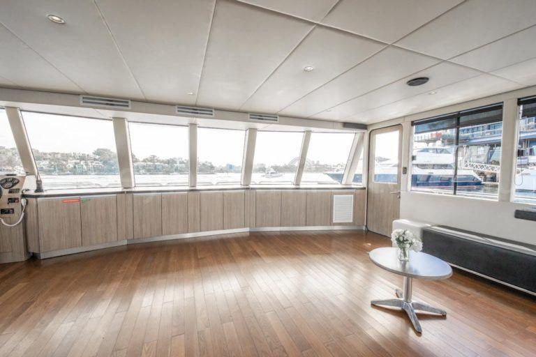 Sydney boat hire on karisma 13