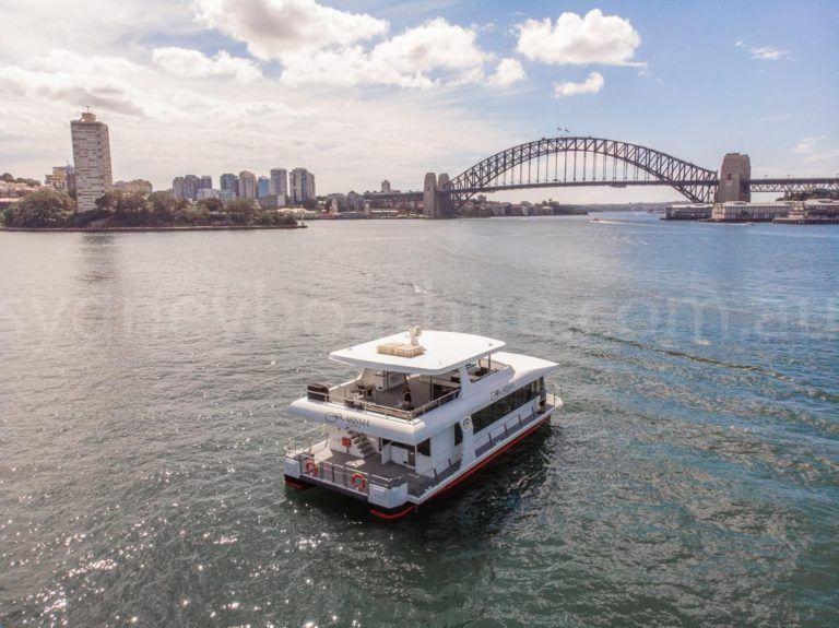 Sydney boat hire on karisma 36