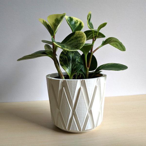 Geometric Cachepot for Houseplants - Modern Minimalist Diamond Pot, Hygge Home Decor, 3D Printed Planter, Decorative Pot, Cache Pot