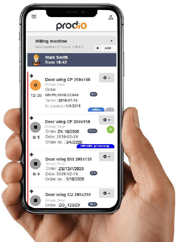 Zarządzanie produkcją przez smartfona.