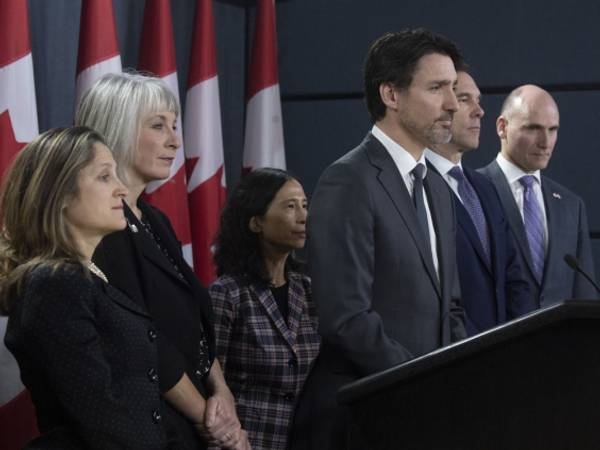 Federal government warns up to 26 million Canadians could get COVID-19; allocates $1B for fight