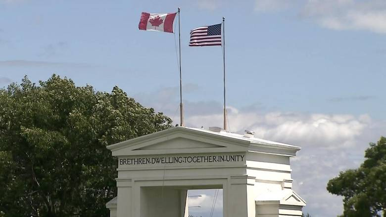 'Be vigilant, respect the rules': Critic slams couples who use loophole to reunite at Peace Arch Park