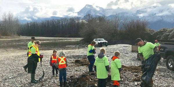 Fraser River cleanup turnout in Chilliwack was even bigger than last year's