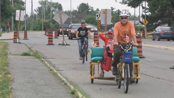 Une piste cyclable temporaire apparaît sur la promenade Moodie à Ottawa