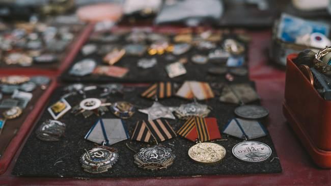 Renouncing Honors