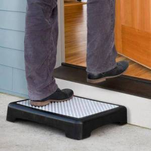 North American Health+Wellness Non-Slip Outdoor Step by North American Health+Wellness in Black Matte