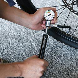 WEST BIKING mini bicycle pump with pressure gauge 120 PSI portable bicycle tire inflator bicycle accessories bicycle repair