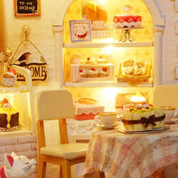 Doll House Furniture Diy Miniature Dust Cover 3D Wooden Miniaturas Dollhouse Toys for Children Cake Diary